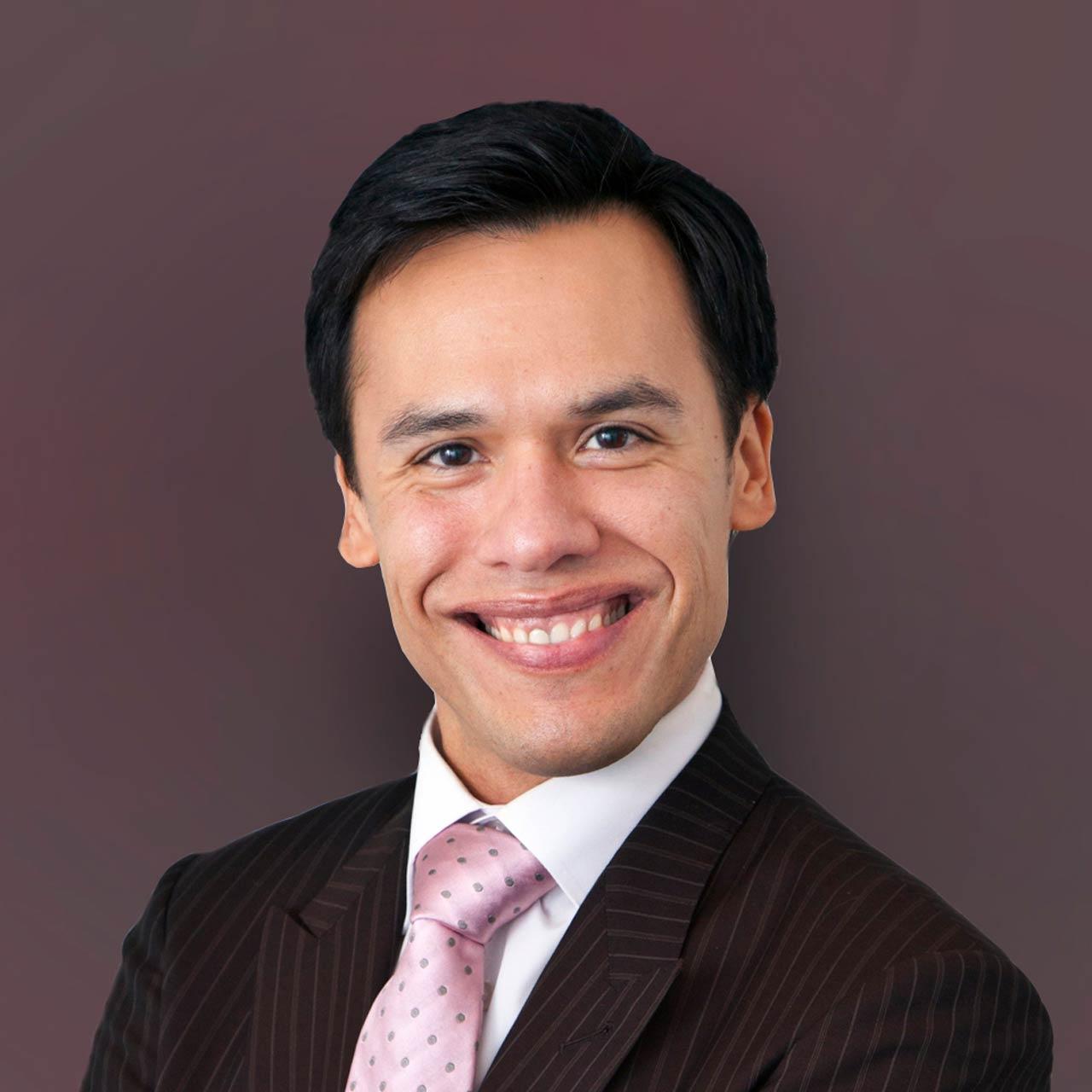 Roberto Estrada, M.D.